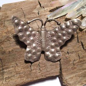 Fjäril i finsilver, 44x32mm